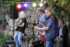 Die Band Just 4 Fun auf der Bühne